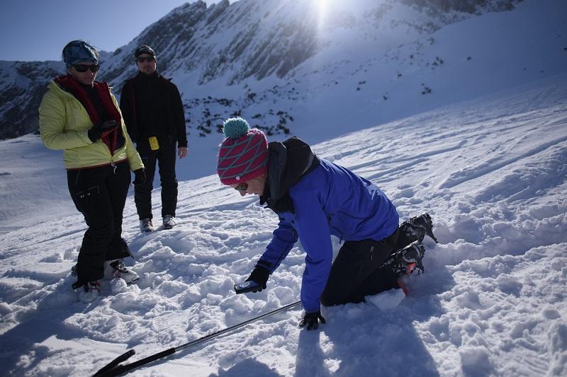 LVS-Training auf dem Skitourenkurs